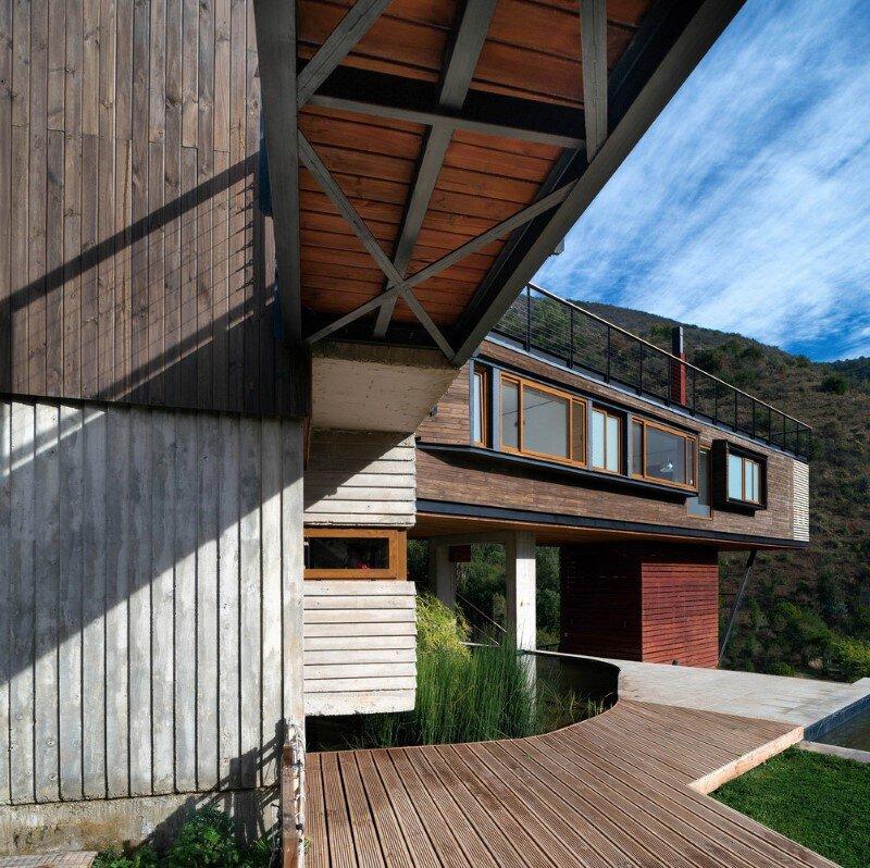 Seasonal spacious house with attractive interior balcony (12)