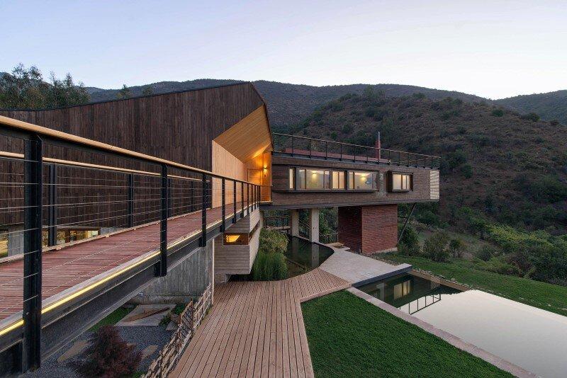 Seasonal spacious house with attractive interior balcony (15)