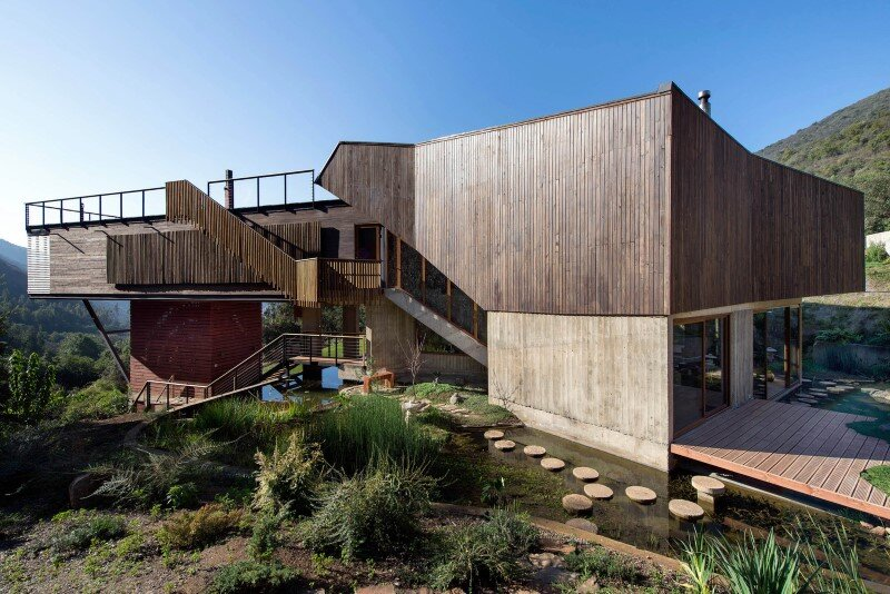 Seasonal spacious house with attractive interior balcony (3)