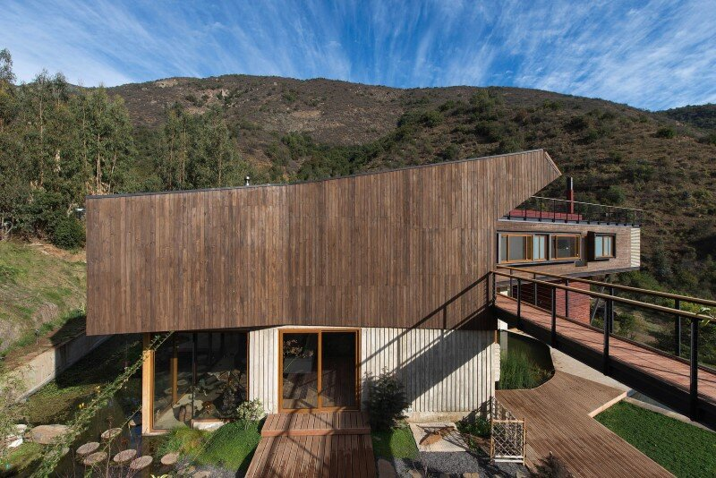 Seasonal spacious house with attractive interior balcony (9)