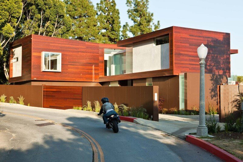 Sunset Plaza Residence modernist forms with dramatic views over Los Angeles (18)