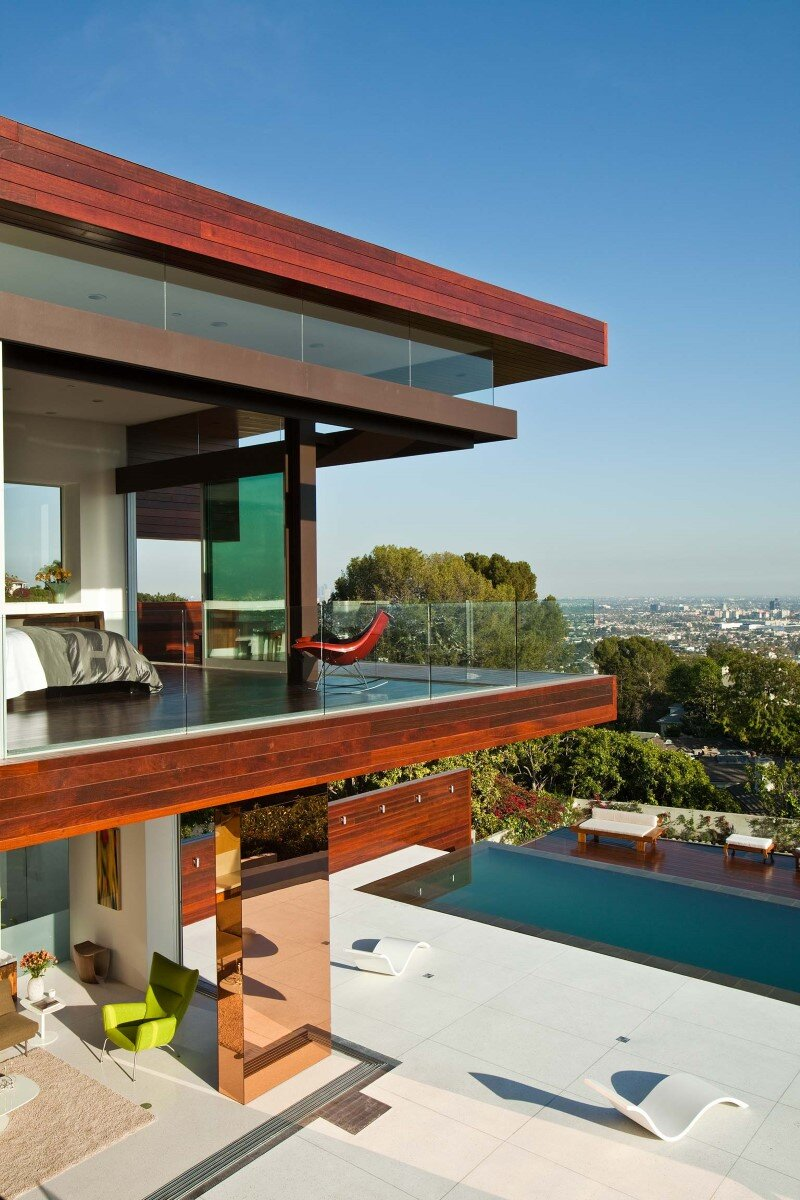 Sunset Plaza Residence modernist forms with dramatic views over Los Angeles (4)