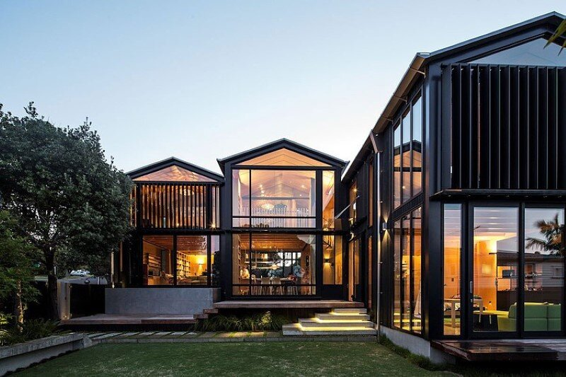 Takapuna Beach House – Boatsheds by Strachan Group Architects
