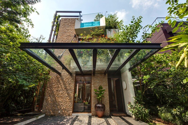 Tan's Garden Villa with luxuriant gardens, rooftop pool and koi pond (12)