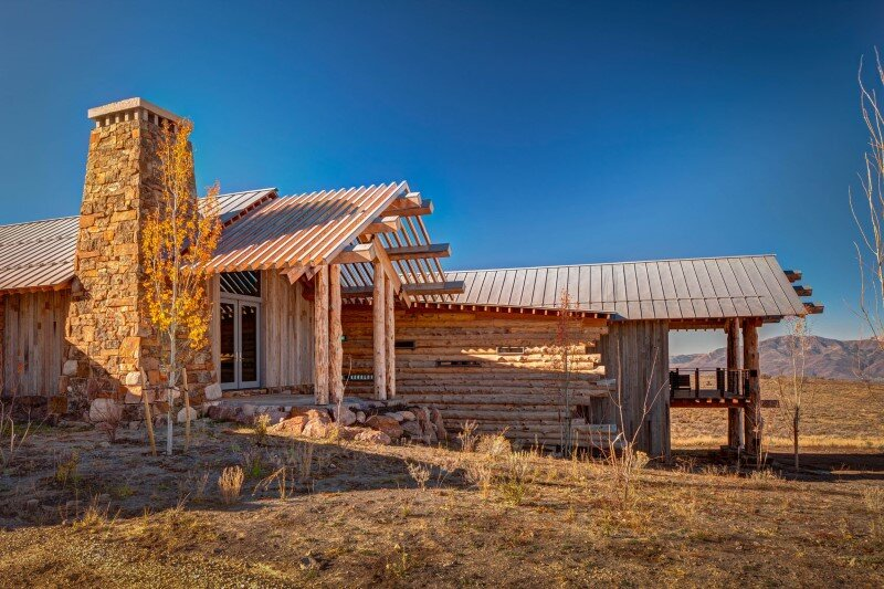 Wolf creek ranch log home with traditional ranch for Traditional ranch homes