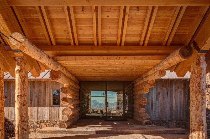Wolf Creek Ranch - Log Home with traditional ranch architecture (8)