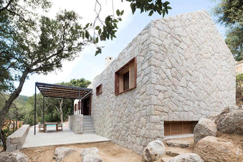 Contemporary Vernacular: a holiday house in the South-East of Corsica