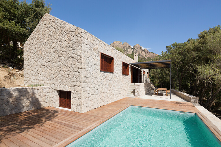 Contemporary Vernacular: a holiday house in the South-East of Corsica 3