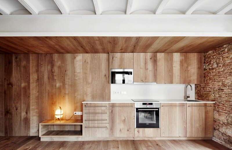Borne apartment - modern décor combined with original wooden beams (10)