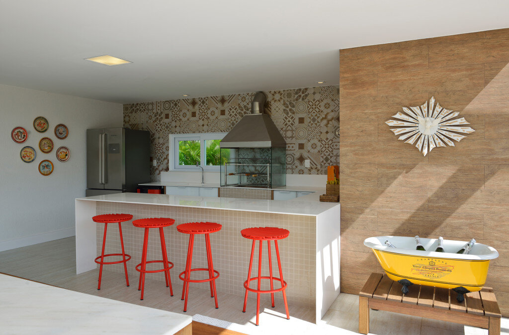 Contemporary Beach House with Nautical Theme (5)