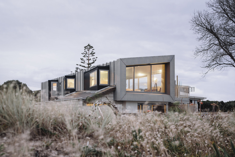 Coromandel Beach House by Strata Architects - New Zealand (1)
