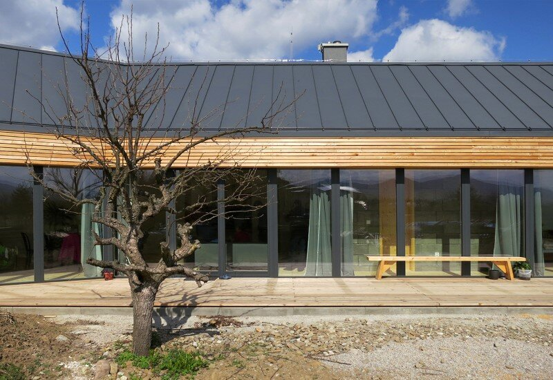 DomT Wood House in Stara Lubovna inspired by the architecture of wooden barns (5) (Custom)