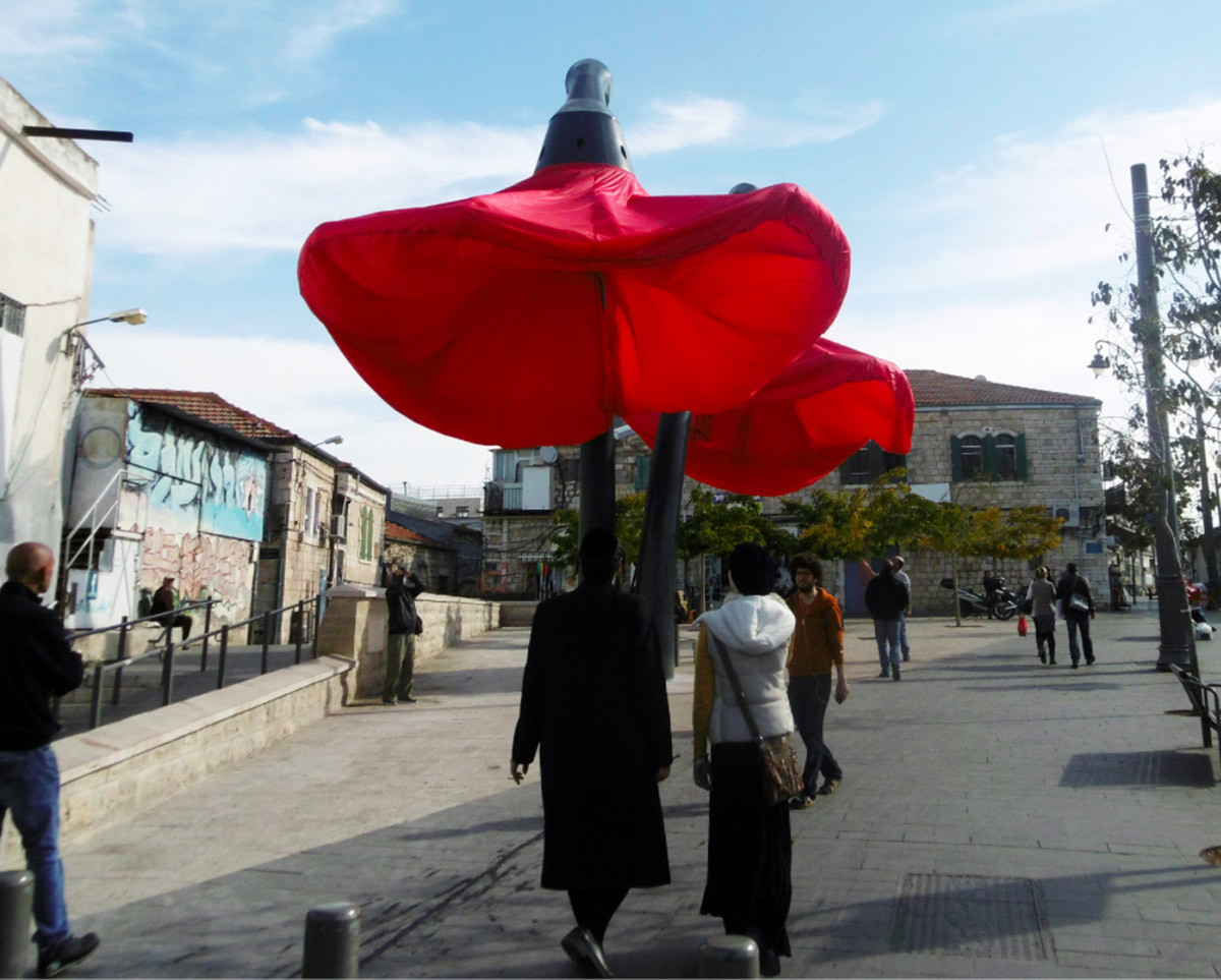 Dynamic Street Installation in Vallero Square in Jerusalem Giant Urban Flowers (6)