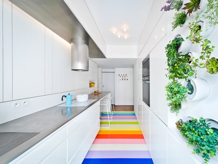 Fashionable Parisian Apartment that has a Mini Vertical Garden in the Kitchen (9)