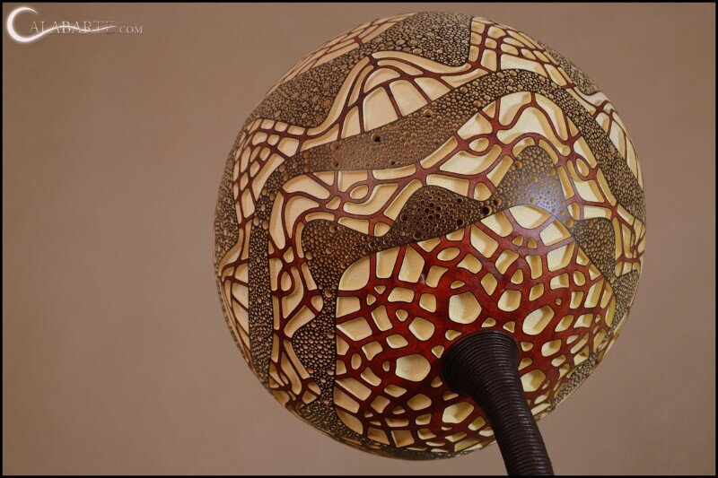 Handcrafted gourd lamps by Calabarte (1)