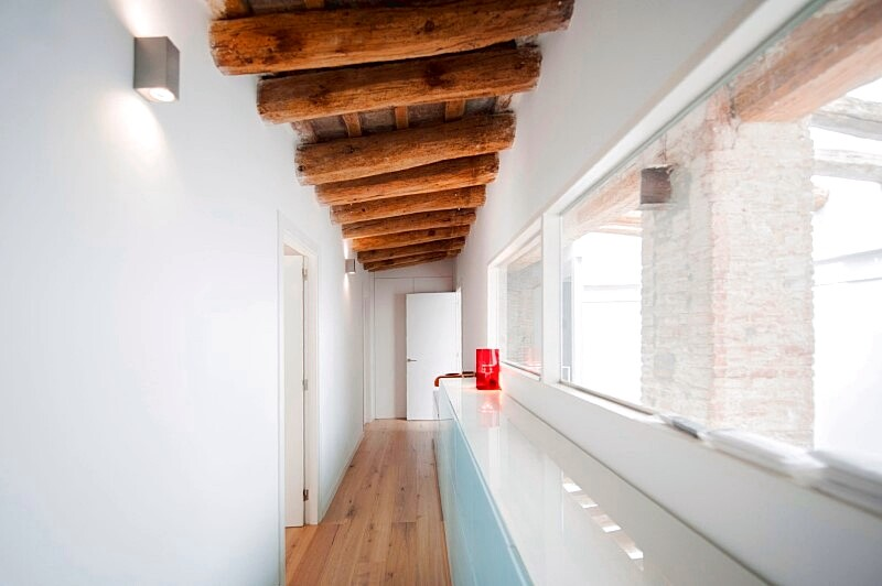 Last Old dairy farm in Barcelona converted in one single house (10)