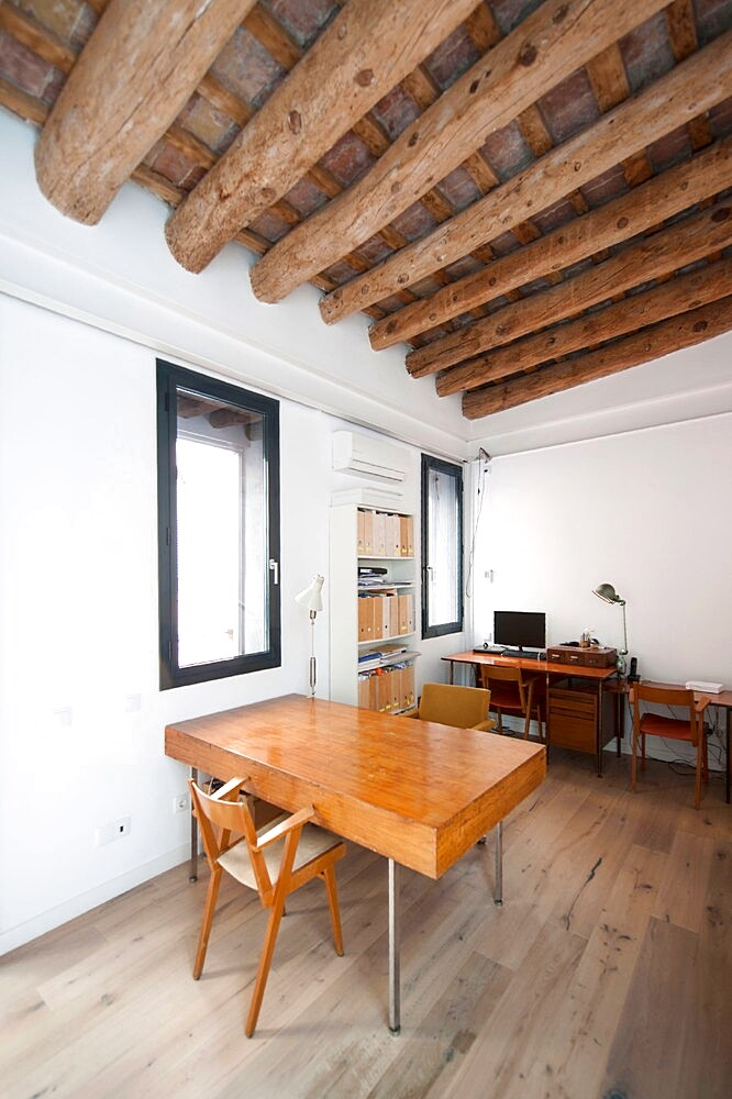 Last Old dairy farm in Barcelona converted in one single house (13)