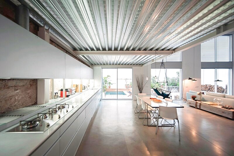 Last Old dairy farm in Barcelona converted in one single house (4)