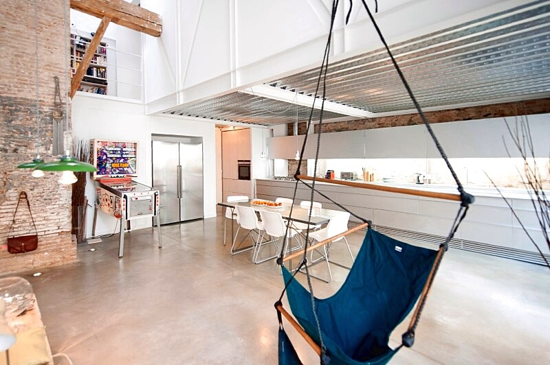 Last Old dairy farm in Barcelona converted in one single house (5)