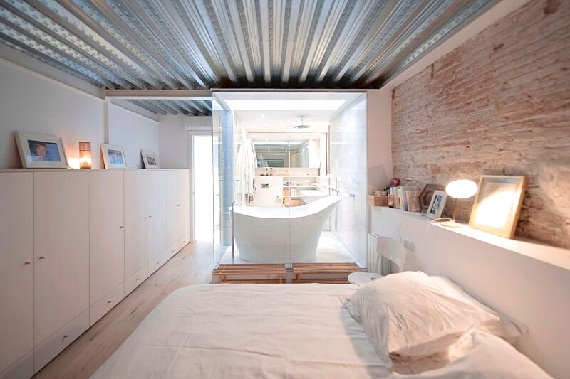 Last Old dairy farm in Barcelona converted in one single house (7)