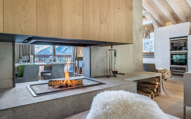 Luxury sky chalet located in a private hamlet - a modern winter wonderland (17)