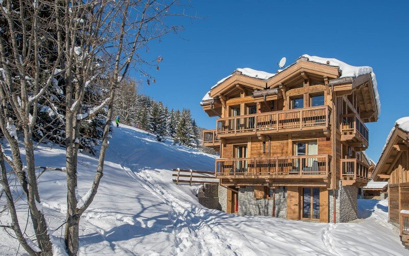 Luxury sky chalet located in a private hamlet - a modern winter wonderland (5)