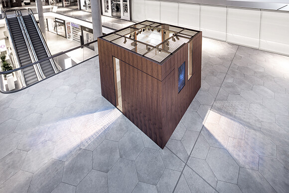Pop Up Box & Food Corner convertible retail space that offers a customizable presentation area (3)