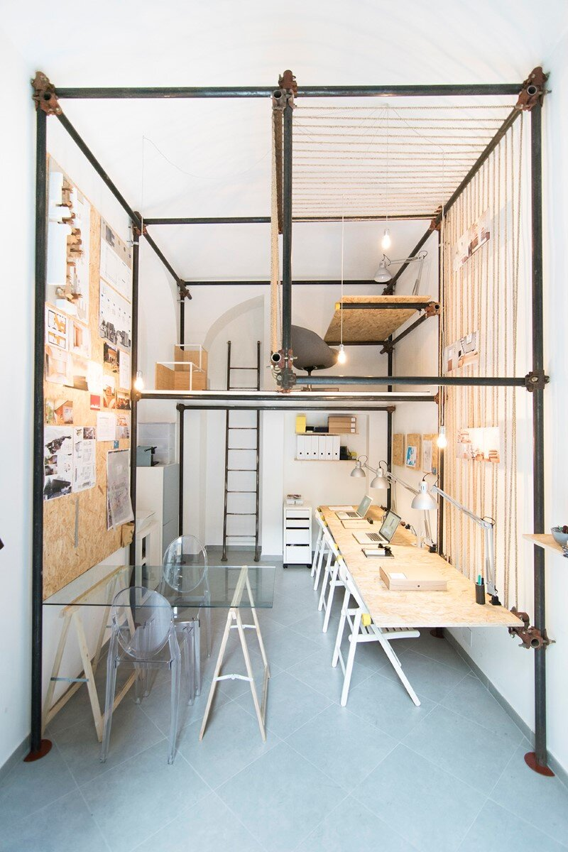 R3architetti Have Transformed a Small Atelier of 14 sqm in Their Own Creating Space (7)