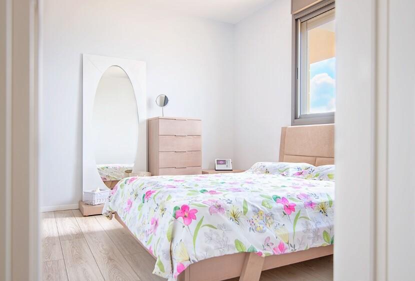 Refurbished Apartment Haifa by Israeli designer Irena Elbaz (12)