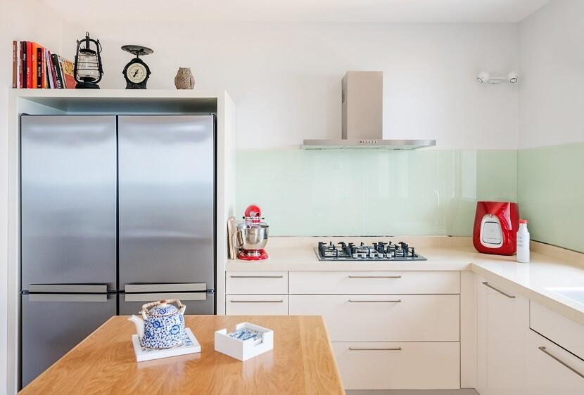 Refurbished Apartment Haifa by Israeli designer Irena Elbaz (7)