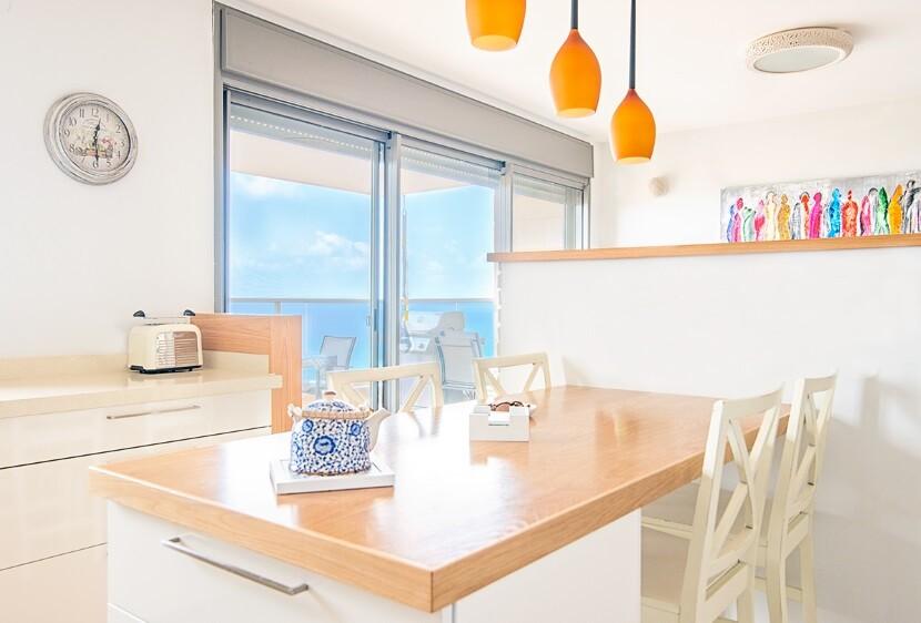 Refurbished Apartment Haifa by Israeli designer Irena Elbaz (9)