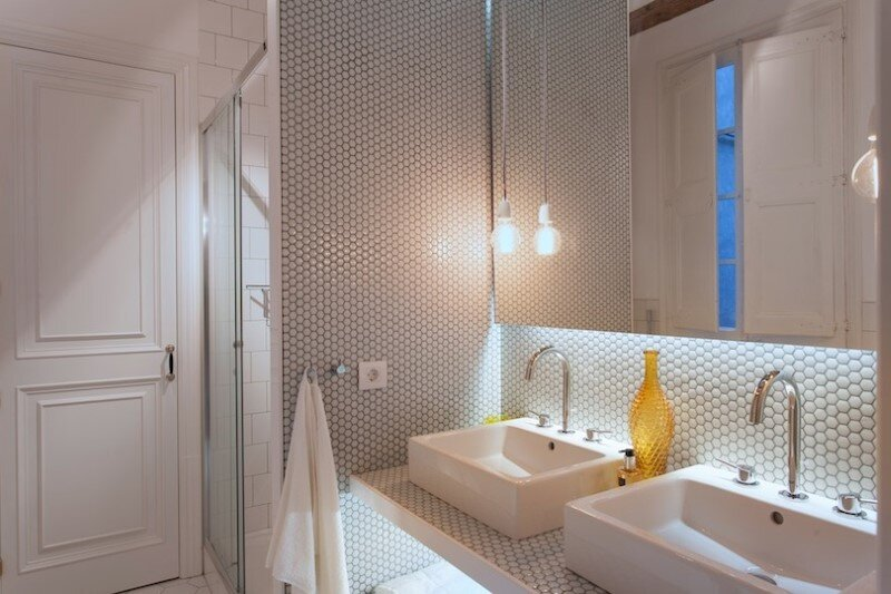 Renovated apartment in Barcelona with emphasizing the authentic Spanish features (11)