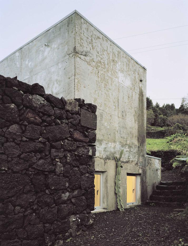SAMI Arquitectos have transformed a ruin into a holiday home (18)