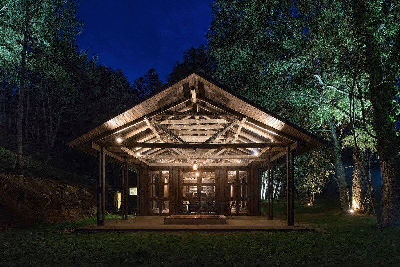 Shed house at Lake Ranco - recycled and converted old barn materials in summer cottage (1)