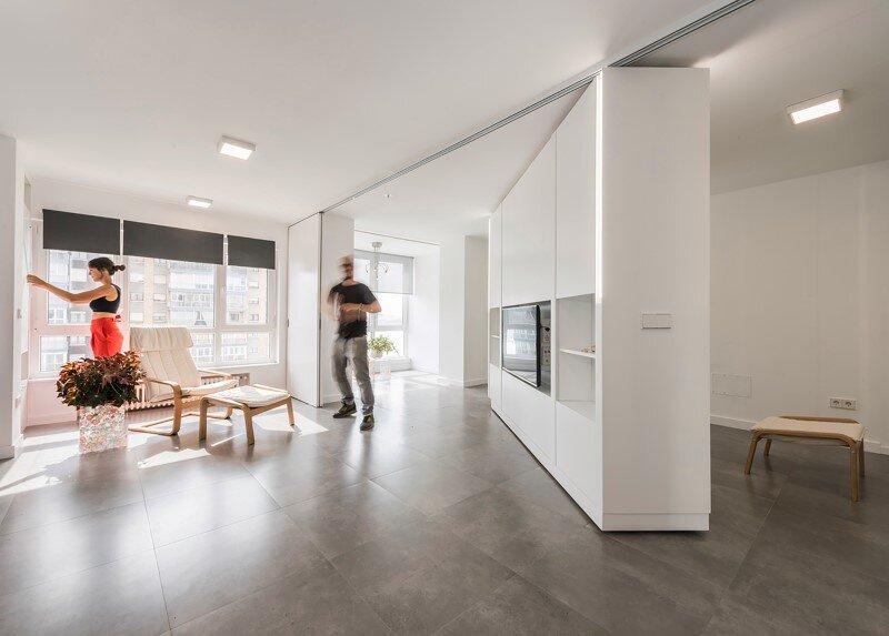 sliding wall partitions for a adaptable home: la casa de maria