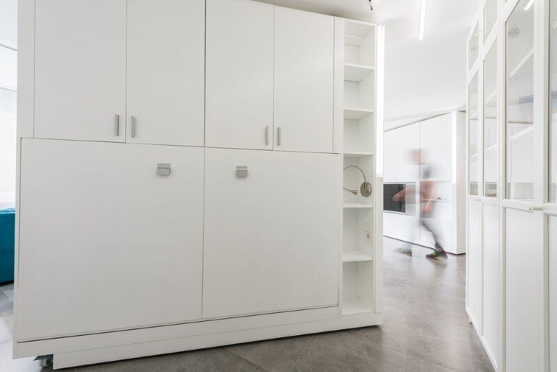 sliding wall partitions for a adaptable home: la casa de maria
