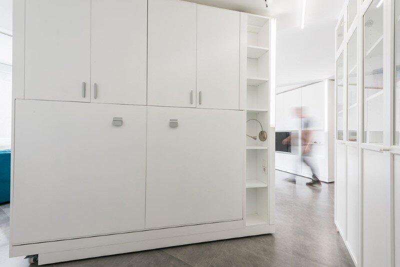 Sliding wall partitions for a adaptable home la casa de maria jos y enrique - Cloisons mobiles ikea ...