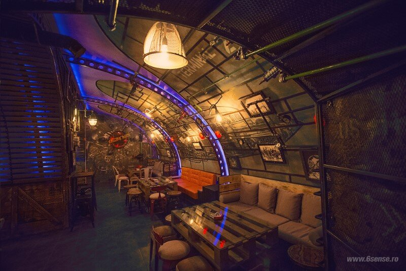 Submarine Pub Designed in Industrial Style with Steampunk Features (6)