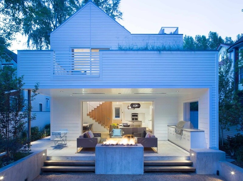 Sustainable design and modern interpretation of the historic miner home: Game On House