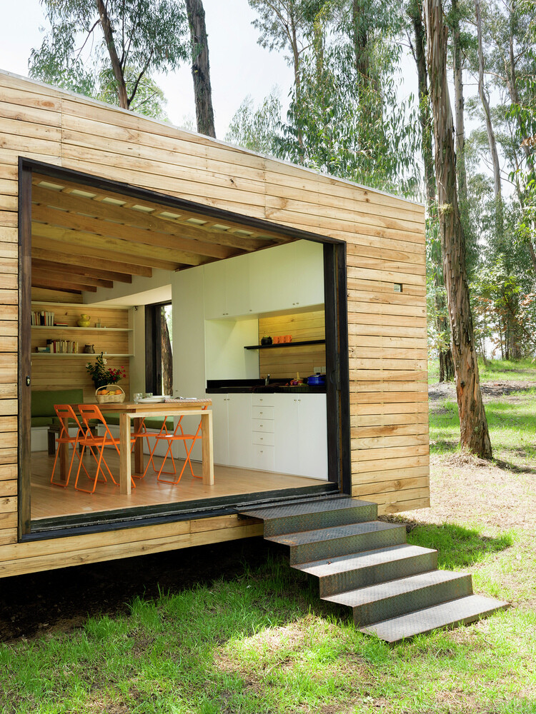 Sustainable housing prototype - House with low footprint and high energy efficiency (17)