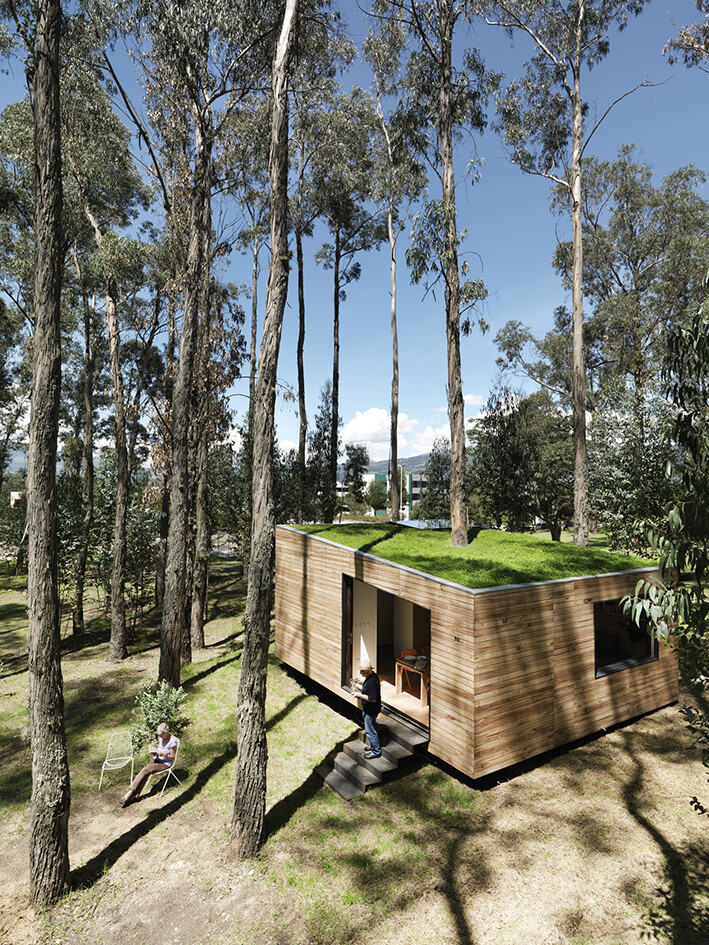 Sustainable housing prototype - House with low footprint and high energy efficiency (7)