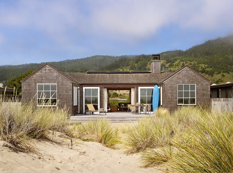 Traditional beach house in Northern California Stinson Beach House (1)