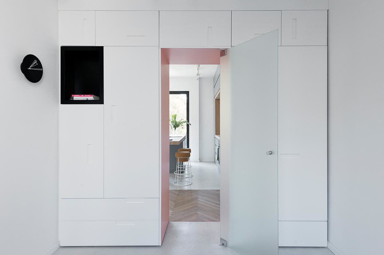 When Color Meets Calm - 55 square meters in Central Tel Aviv (7)