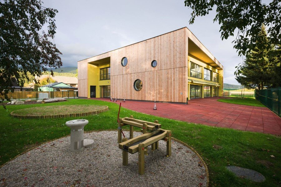 Šmartno Timeshare Kindergarten - Spaces Combined into one Learning Landscape (1)