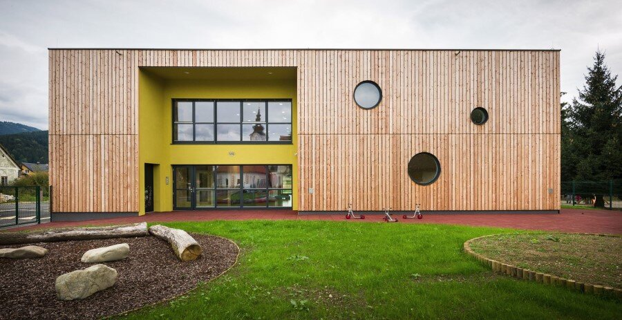 Šmartno Timeshare Kindergarten - Spaces Combined into one Learning Landscape (12)