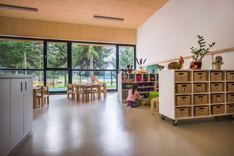 Šmartno Timeshare Kindergarten - Spaces Combined into one Learning Landscape (13)