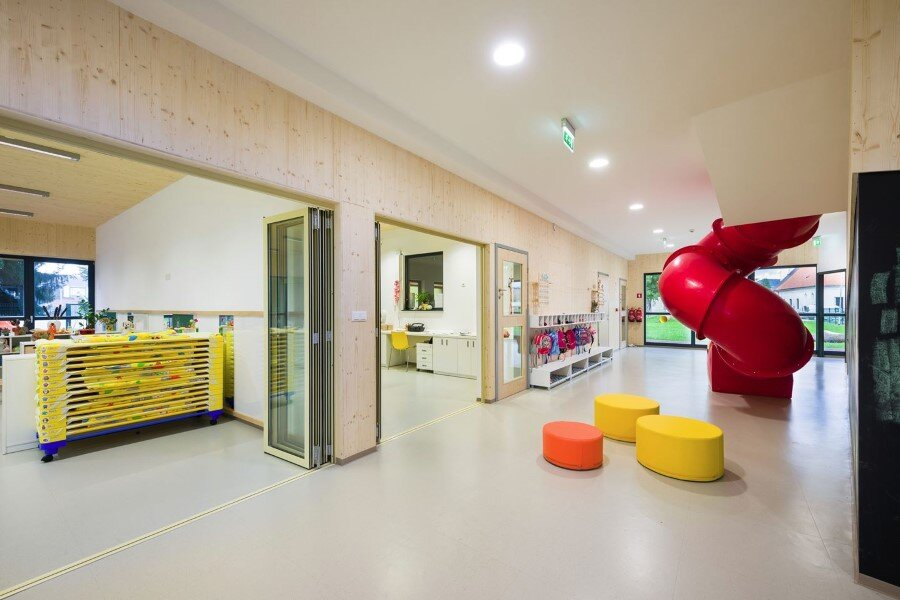 Šmartno Timeshare Kindergarten - Spaces Combined into one Learning Landscape (20)