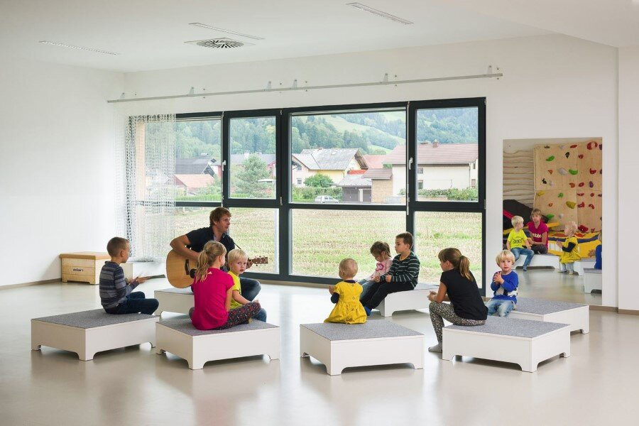 Šmartno Timeshare Kindergarten - Spaces Combined into one Learning Landscape (4)