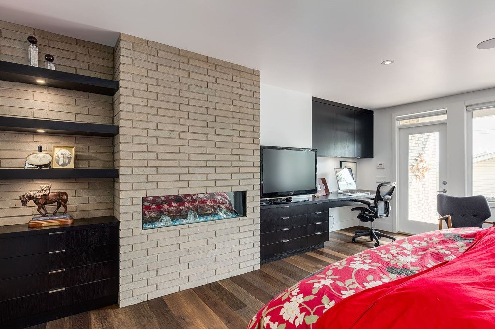 Beautiful 2-Storey Home for a Family of Five, Calgary (25)