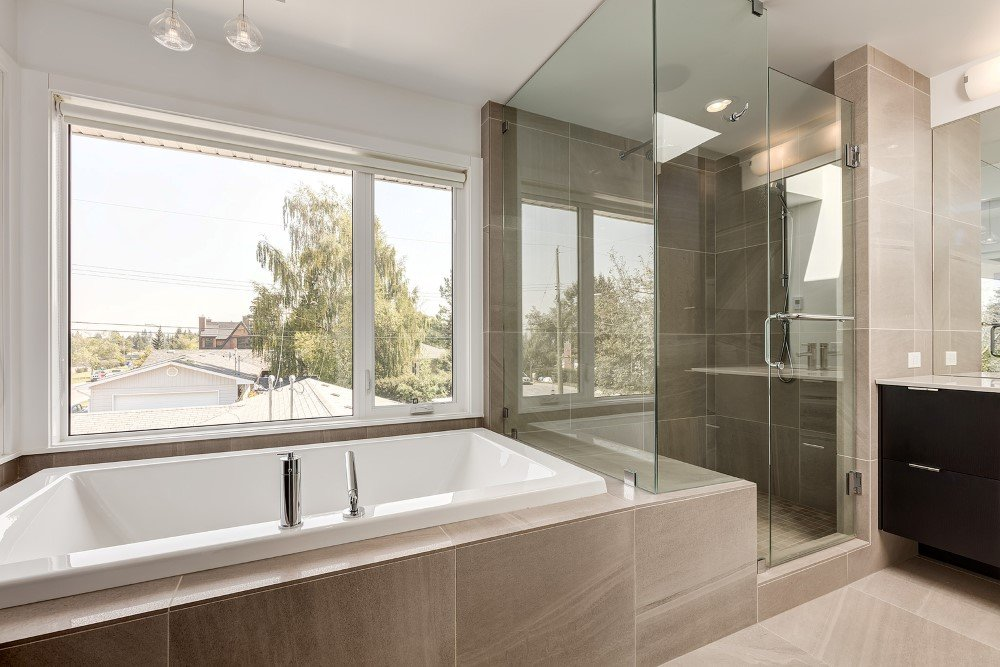 Beautiful Two -Storey Home for a Family of Five, Calgary (5)